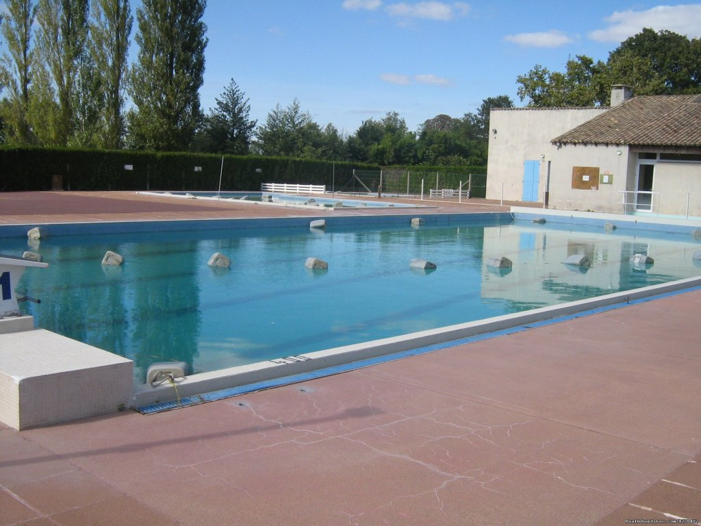 Public pool in Lezay (open july and august) | Image #8/16 | Warm irish welcime in rural France
