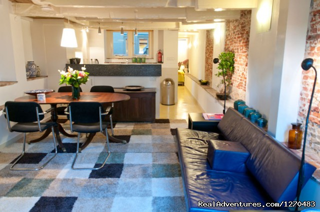 'Delft BLue' apartment living room - Amsterdam Canal Apartments