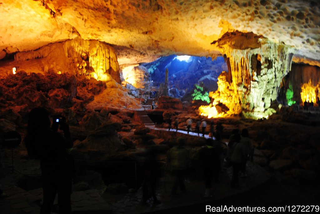 Halong bay of Vietnam-Sung Sot Cave | Image #12/23 | Vietnam Timeless Charm 10 days