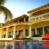 Vista Las Olas Surf Resort 'Wild East'