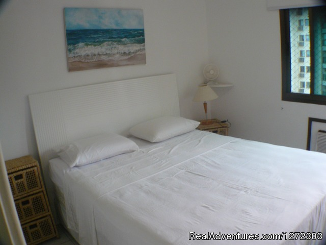 Third Bedroom With Queensize Bed And Air Conditioning - Barra  Dolce Vita Residence Service 1504