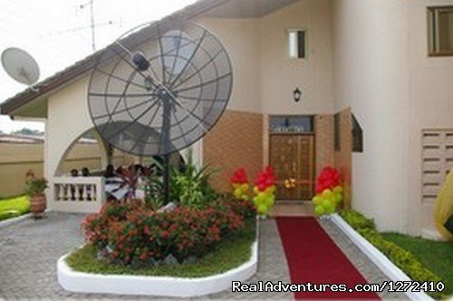 Family-owned and run guesthouse in the comfortable neighborhood of Dansoman in Accra, Ghana. Elmeiz Guest House is ideal for business travelers, returning Ghanaian visitors, Executive/Pastoral retreats, Honeymooners and regular tourists.