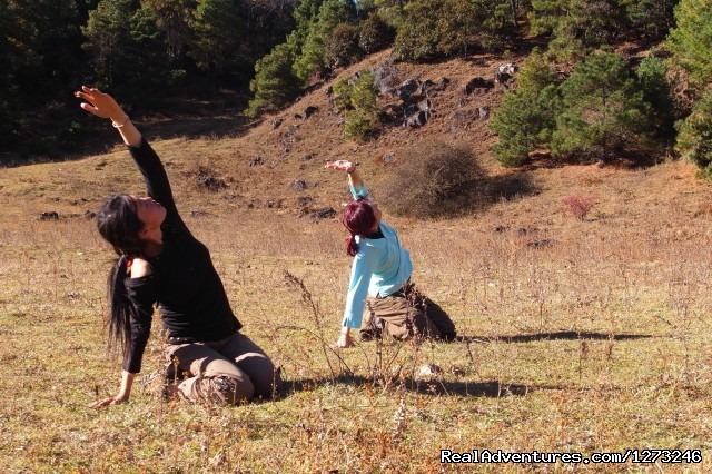 Yoga and trekking in Yunnan in China: Yoga In The Mountain