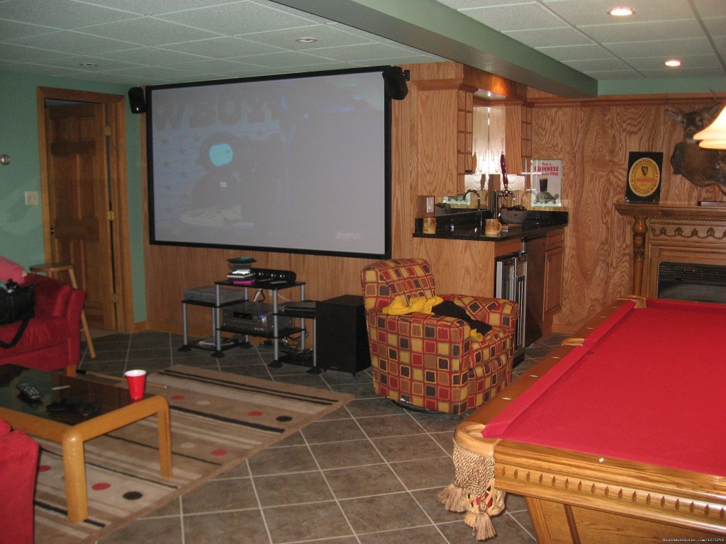 Pool Table And 55 Inch Plasma Tv In Game Room | Image #6/7 | Luxury ski house right on the slopes