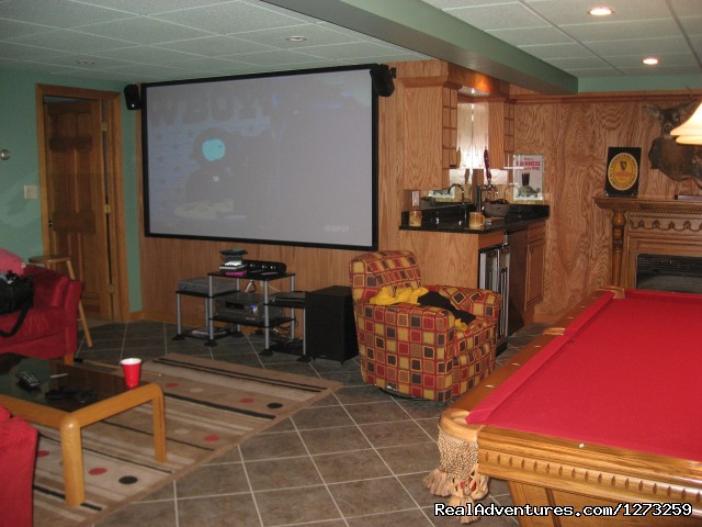 Pool Table And 55 Inch Plasma Tv In Game Room - Luxury ski house right on the slopes