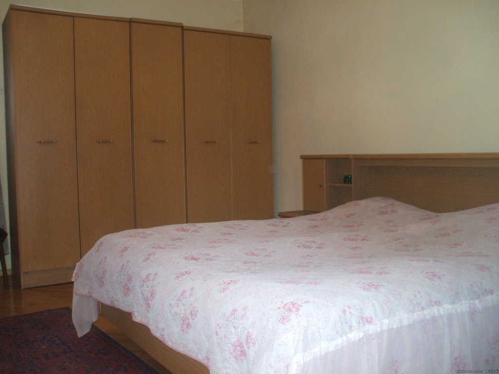 Basic Double Bed Private | Image #3/6 | Guest House 'TLT'