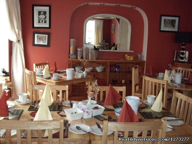 Our Dining area - Ideal location for Shopping Trip