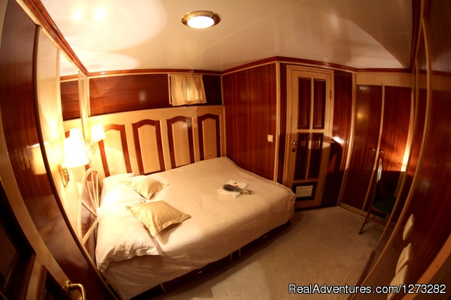 Double cabin - luxury yacht charter in Croatia