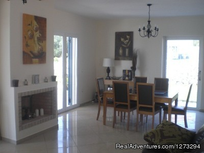 Dining Area - Luxury Villa set in quiet village