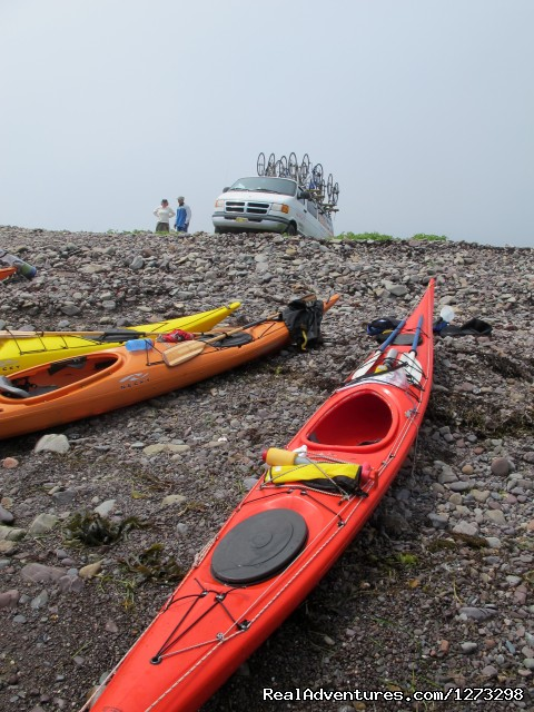 - Nova Scotia Outer Islands Seakayak - Freewheeling