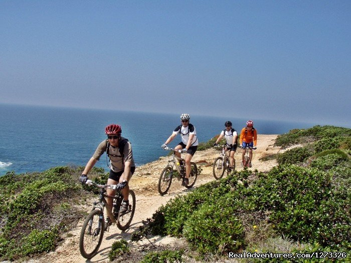 Starting in Sesimbra, this is an incredible cycling tour that will take you along the western coast of Portugal till the most south-western point in continental Europe - Cape S.Vicente.