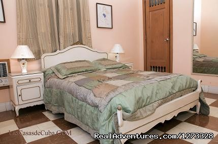 Accommodation in Havana, Cuba. 3-room apartment.