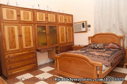 - Accommodation in Havana, Cuba. 3-room apartment.