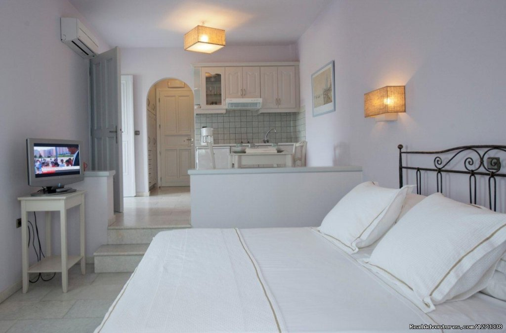 AMMOS NAXOS Exclusive Apartment | Image #3/10 | Ammos Naxos Exclusive Apartment & Studios