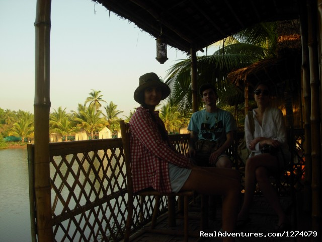 Cottage Balcony - Om lake resort