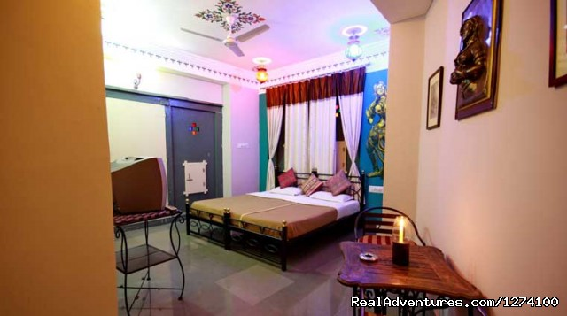 Udai Niwas Hotel: AC deluxe Room with Balcony