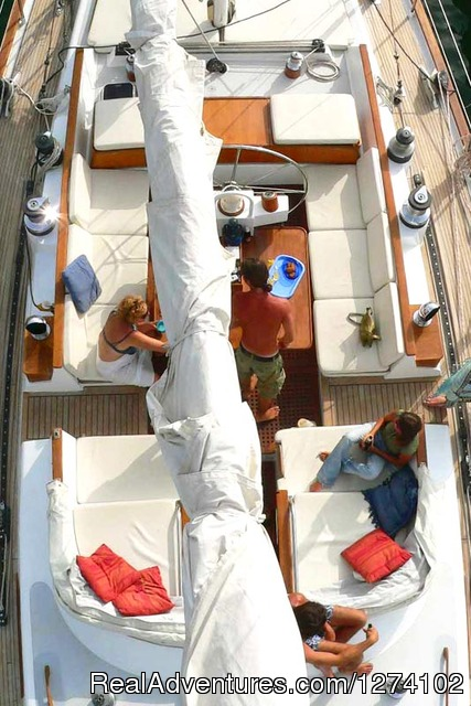 Catamaran on the way - Kenya, your perfect winter escape