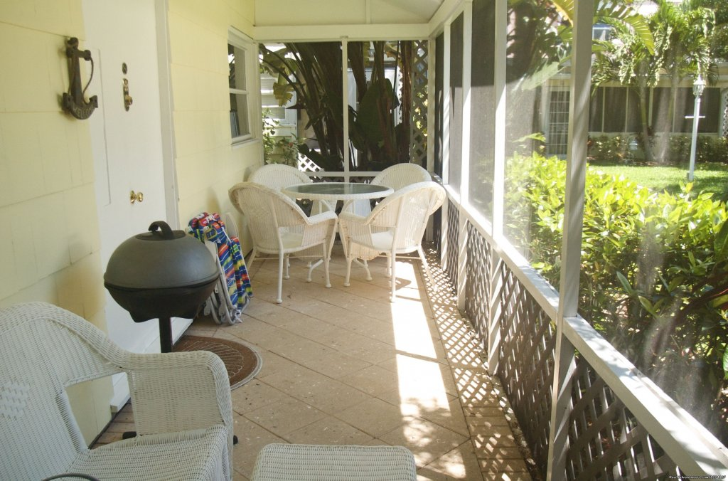 King studio private screened-in porch | Image #10/26 | Cottages by the Ocean - Studios and 1/1