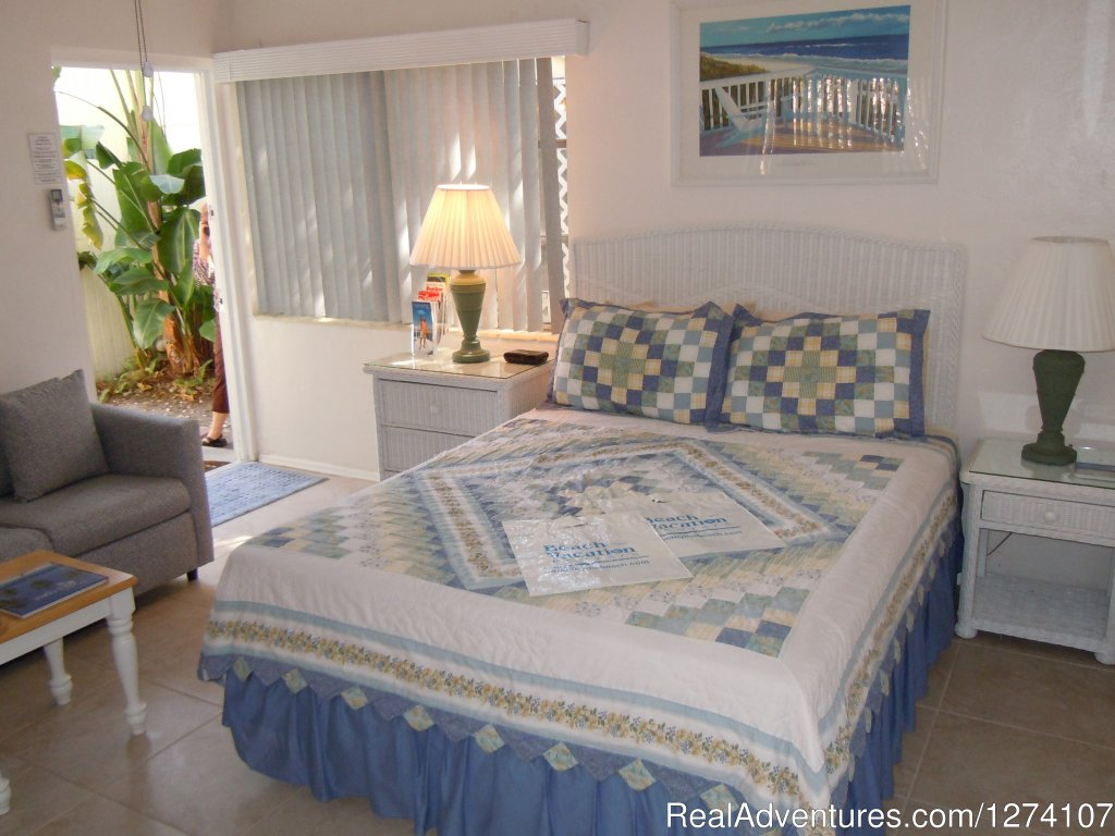 Queen studio with queen bed (no sleeper sofa) | Image #17/26 | Cottages by the Ocean - Studios and 1/1