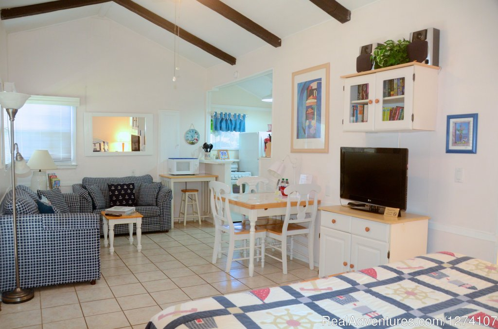 King studio apartment | Image #6/26 | Cottages by the Ocean - Studios and 1/1