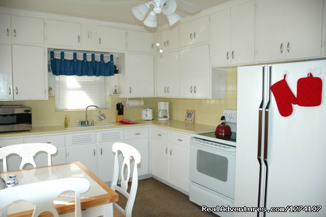 1 Bedroom kitchen - Cottages by the Ocean - South Florida getaway