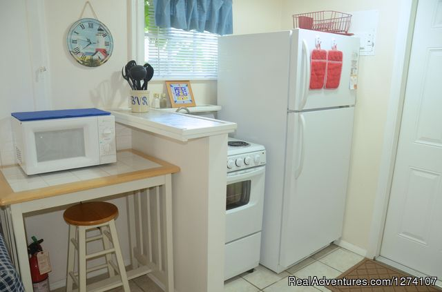King studio kitchen - Cottages by the Ocean - Studios and 1/1