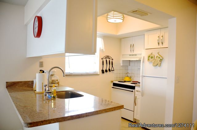 Spotless fully-equiped kitchen - Sunny Place - A short walk to the beach