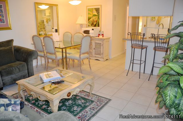 Standard size one-bedroom apartment - Sunny Place - A short walk to the beach