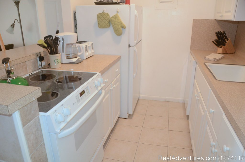 Kitchen of 1/1s and 2/2 | Image #11/26 | Pineapple Place - South Florida great getaway