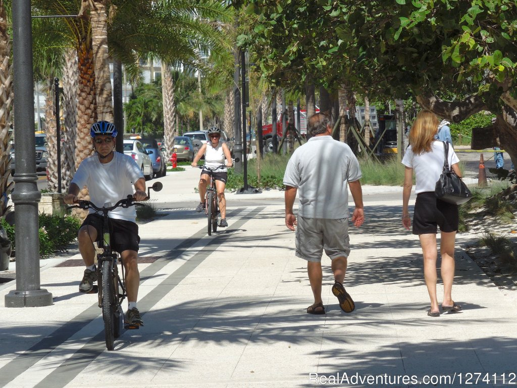 Wide sidewalks along our brand new oceanfront | Image #26/26 | Pineapple Place - South Florida great getaway