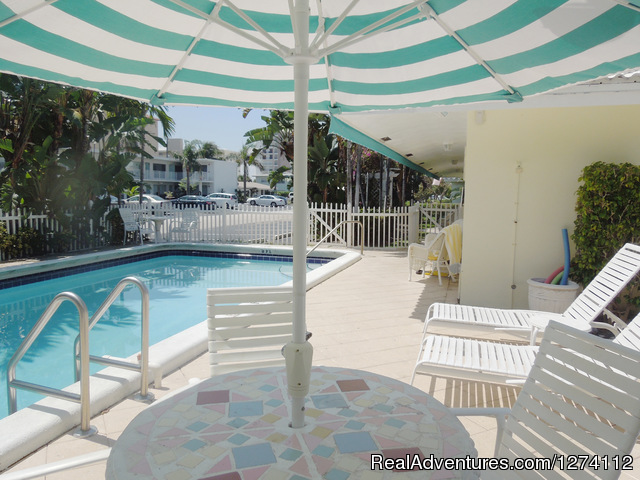 Emaculate and fully equiped kitchen - Pineapple Place - South Florida great getaway