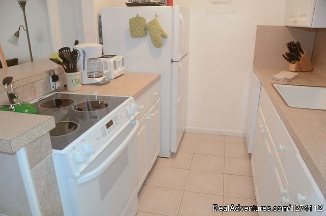 Kitchen of 1/1s and 2/2 - Pineapple Place - South Florida great getaway