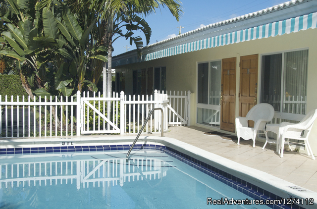 Pineapple Place is a half block to the beach. - Pineapple Place - South Florida great getaway
