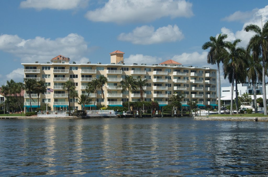 Yacht & Beach Club condo is casual, tropical, carefully maintained and well suited for upscale business and vacation travelers (all apartments are two-bedroom/two bath). It offers a relaxing get-away that's close to everything.