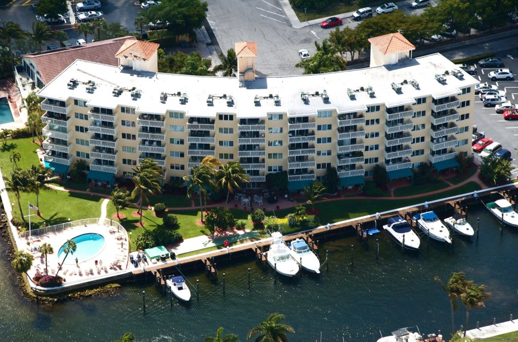 Aerial view of marina | Image #2/25 | Yacht and Beach Club - Waterfront Condo
