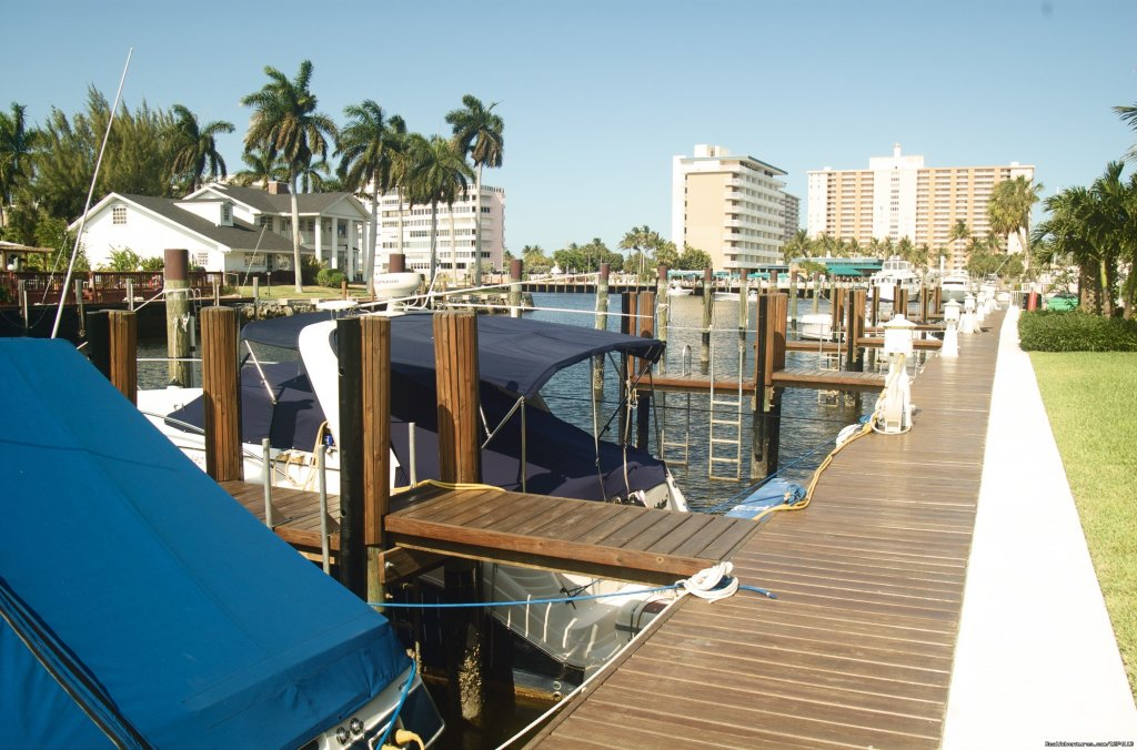 Marina docks along property backyard | Image #10/25 | Yacht and Beach Club - Waterfront Condo