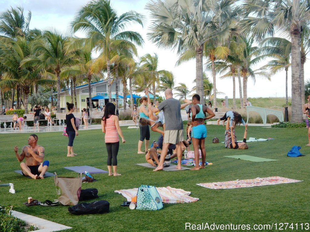 Yoga every morning on the new beachfront | Image #24/25 | Yacht and Beach Club - Waterfront Condo