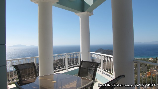 - Luxury villa, panoramic views  the water