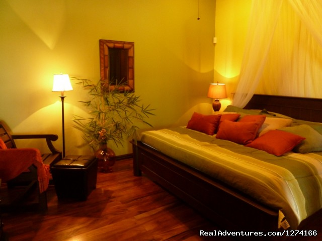 Bamboo Room - Finca Vibran B&B- On the slopes of Poas Volcano