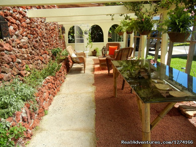 Covered Garden Patio - Finca Vibran B&B- On the slopes of Poas Volcano