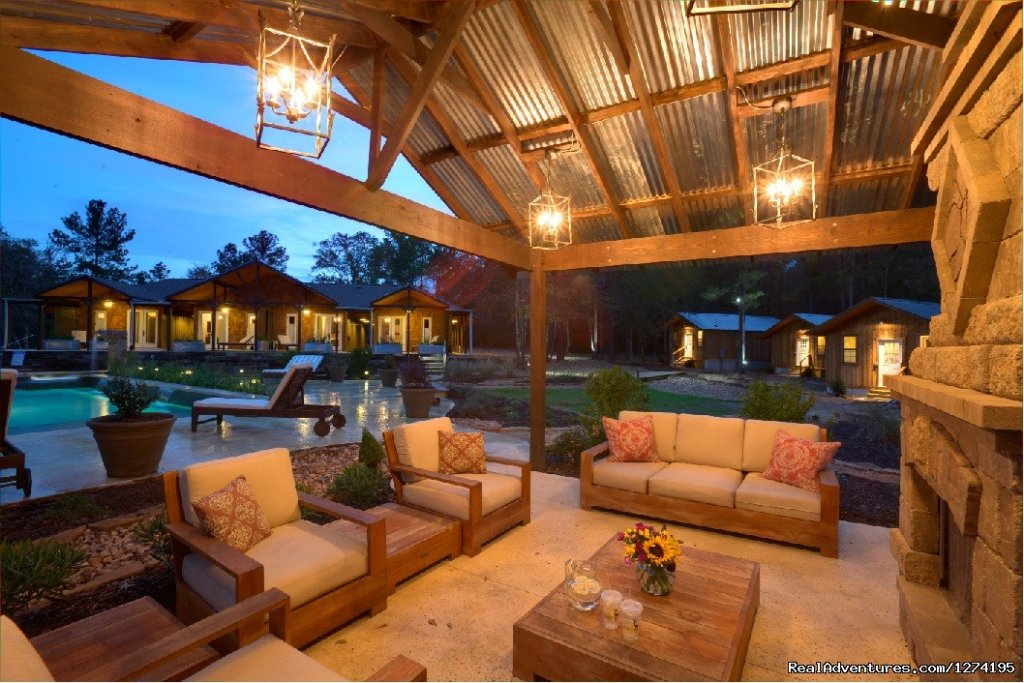 Outdoor Fireplace and Lounge Area