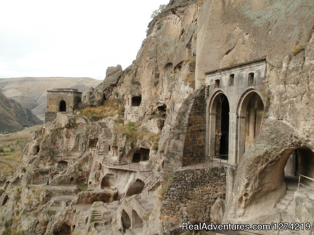 One day in Vardzia - Tour to Georgia