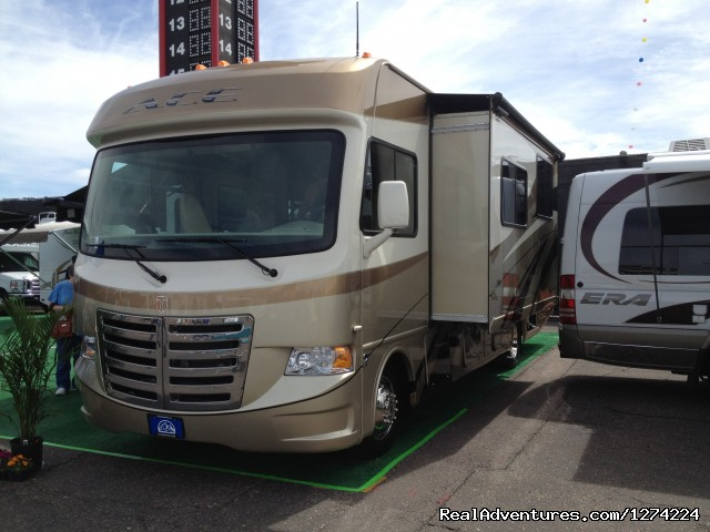 - Privately Owned 2013 Thor ACE 30' Class A RV