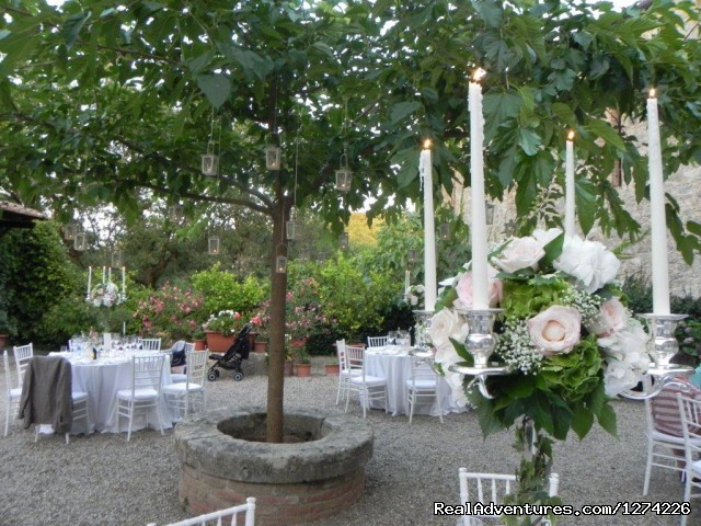 Party tables around the mulberry tree - Live in a castle in breathtaking country