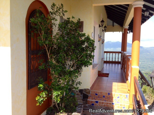 - Spectacular Ocean and Mountain Views @ Villa Bowes