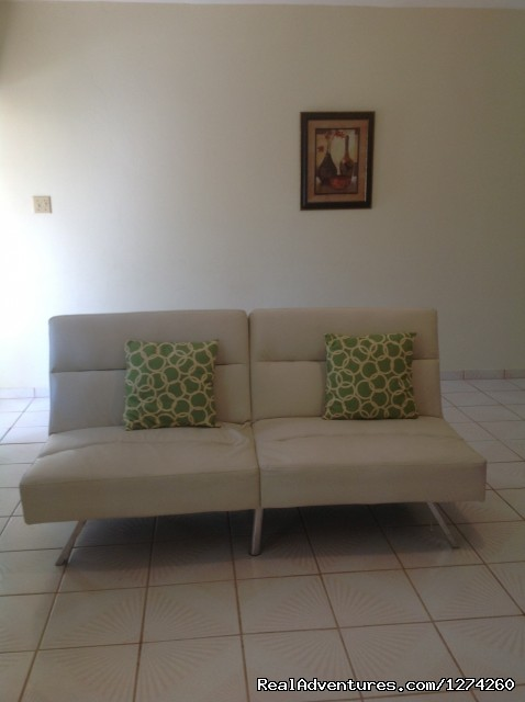 Living room Futon - Vacation Rental at Economical Prices