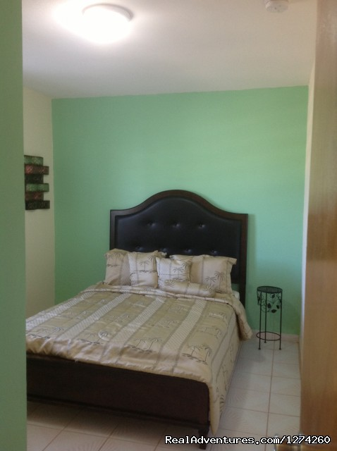 Queen Size Bed - Vacation Rental at Economical Prices