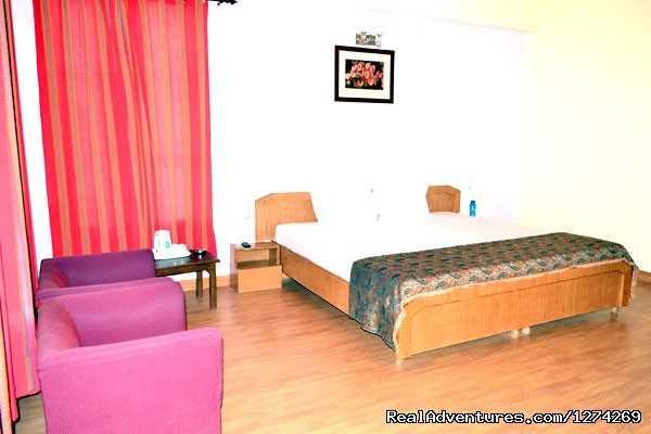 Master Bed Room - United-21 Resort - United-21 Resort, Chail