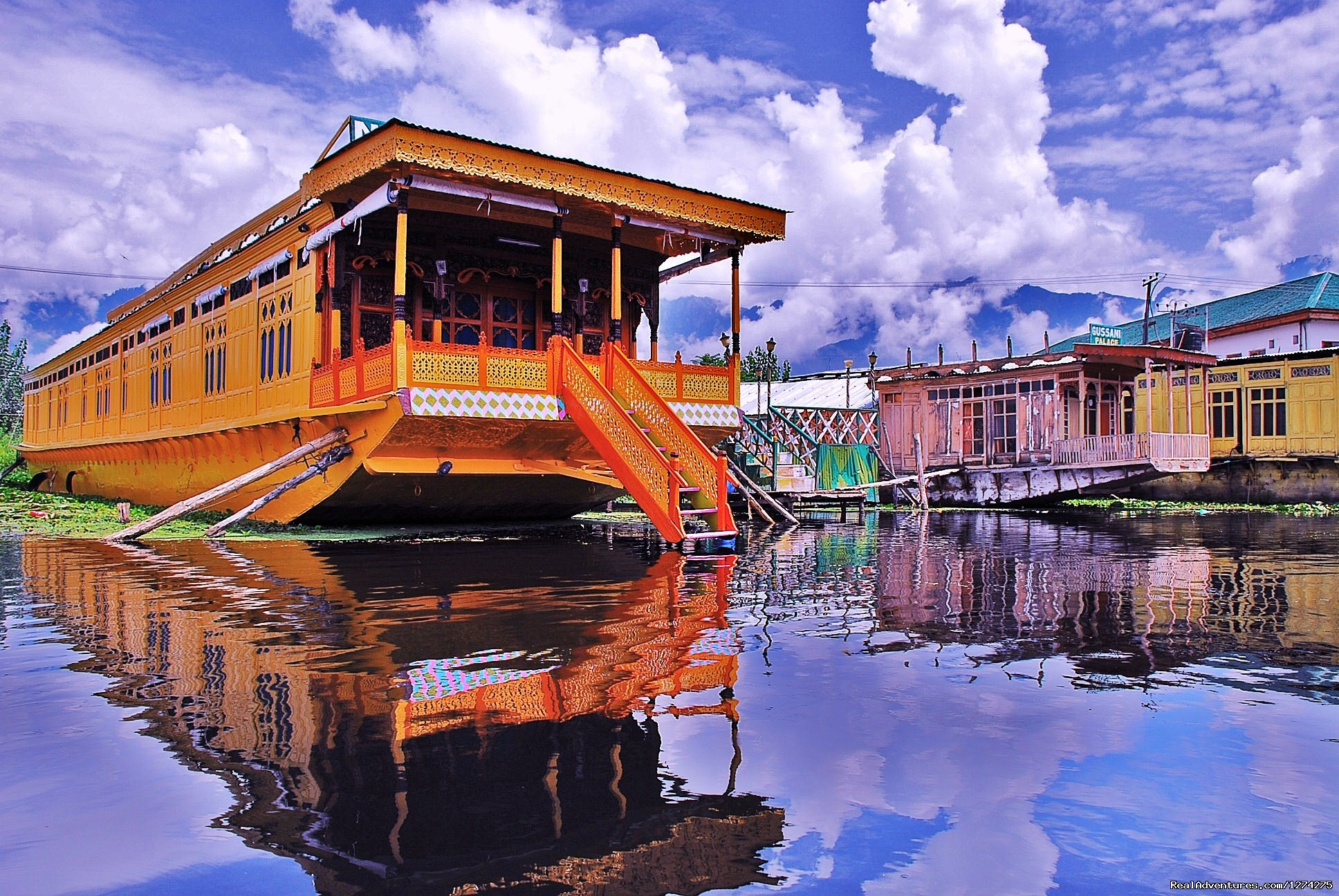 Floating Luxury - House Boat | Image #3/21 | KasHmiR ExotiCA - Enjoy The HEAVEN on Earth