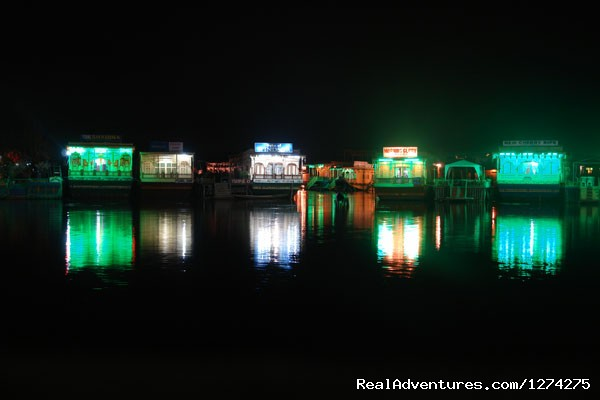 House Boats Lit in The Evening | Image #5/21 | KasHmiR ExotiCA - Enjoy The HEAVEN on Earth